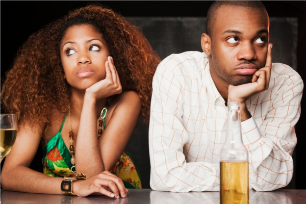 Akward date. Courtesy of http://businesstech.co.za/news/mobile/17512/get-out-of-an-awkward-date-theres-an-app-for-that/