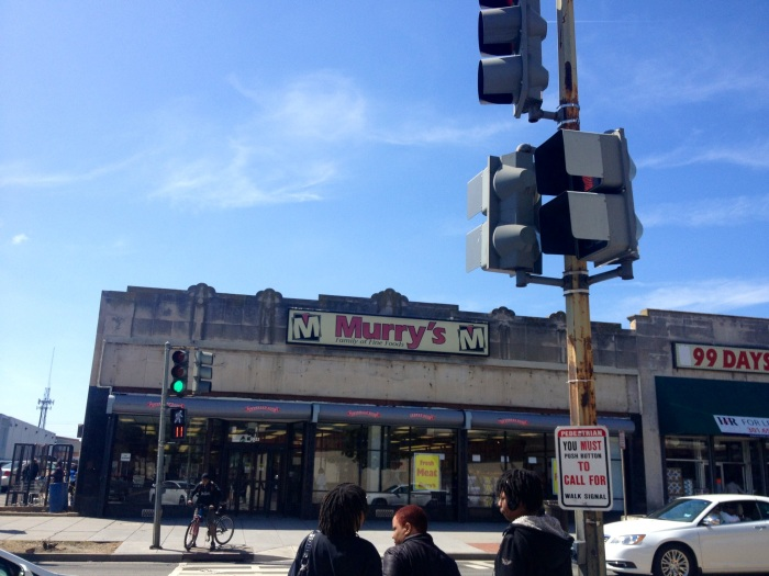 Murry's, a grocery street in the Mahaning/Kenilworth neighborhood.