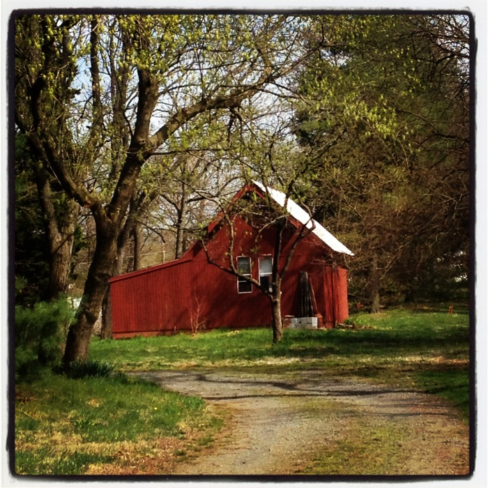 Small red shed in Paoenian Springs.