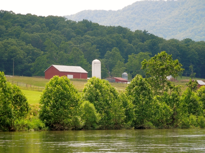 The Shenendoah River and a barn.