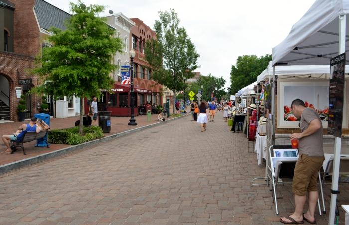 More Eastern Market outdoor arts and cratfs vendors.
