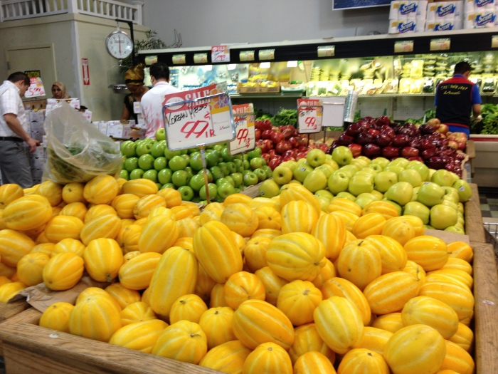 Low-priced produce at LA-Mart in Springfield.
