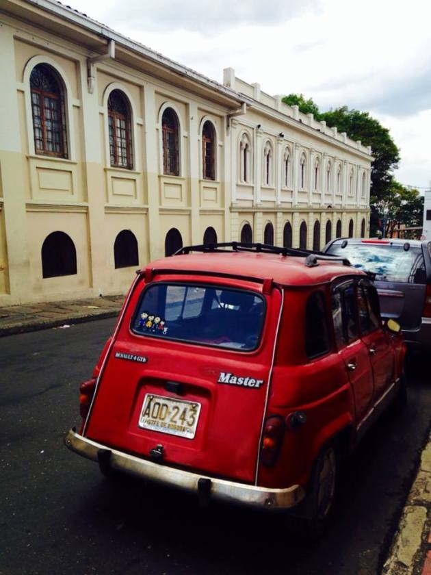 Something you dont see too often in the D.C area...old cars! There are some real antiques on the streets in Bogota!