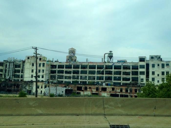 Decay building