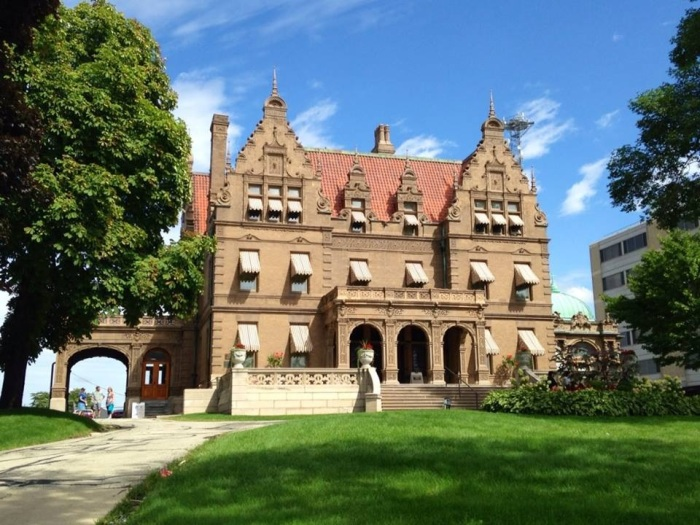 Mil Pabst Mansion