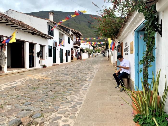 Colombia_VDLsidestreet4
